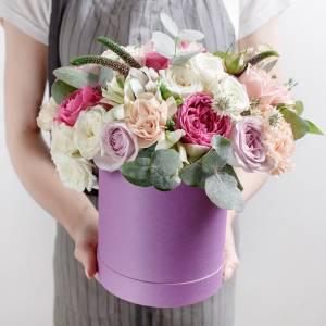 Сборная коробка с пионовидными роза R748